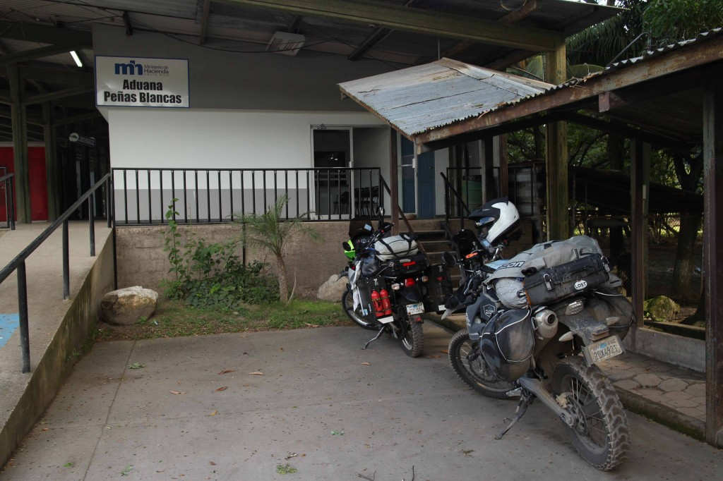 Parked at the #2 Aduana building for the second time and ready to leave